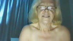 Grandma Linda 2 times cum with her humming buddy