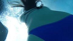 Teen Hairy Pussy Underwater