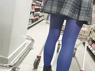 Download video bokep Shopper in blue pantyhose with pleated skirt Mp4 terbaru