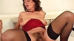 mature hairy fucked very well