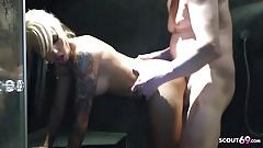Bukkake Party im Club mit Anni Angel und Mia Bitch