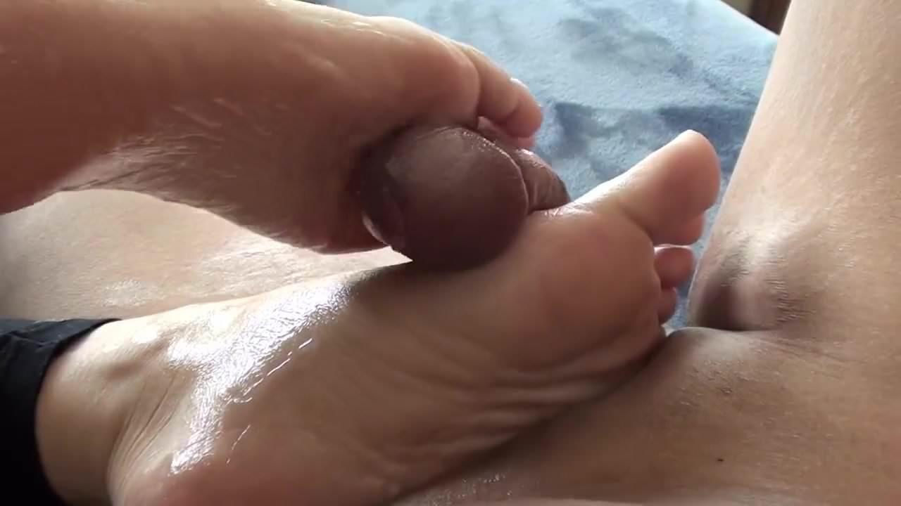 beach blow and masturbation 97%