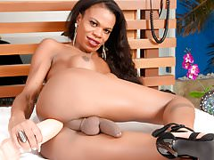 Ebony Shemale Crams a Giant Dildo Up Her Asshole