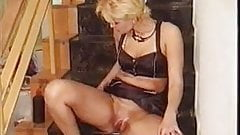 pussypumping woman