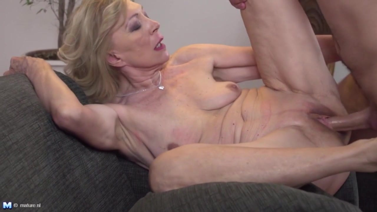 Tonight Grandmother Gets Very Special Visit Free Porn 32 Fr-7849
