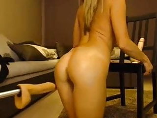 Blonde Fuck Machines Her Ass On Cam