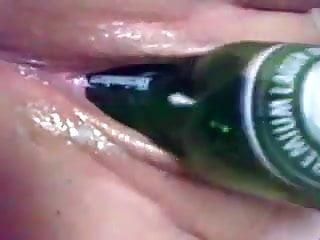 brierley hill slut fucks beer bottle