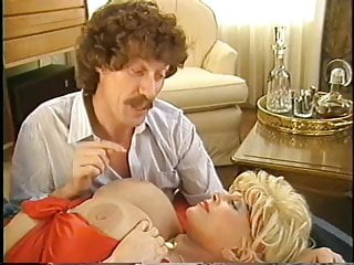 Big boobs sample clip - Candy samples the golden age of porn