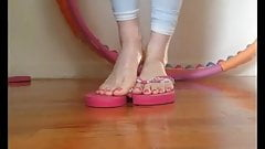 Size 11 Feet - Long toes and long soles! Amazing video
