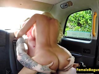 Busty british cabbie cockrides on backseat