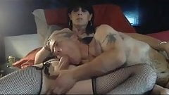 Mature amateur shemale bangs her man