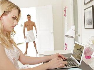Download video bokep TS girlfriend Nikki Vicious Mp4 terbaru