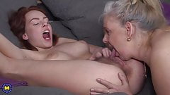 Mature lesbian mother fucks hairy daughter's Thumb