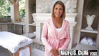 Mofos - Pornstar Vote - August Amess Oiled Up Titties starri