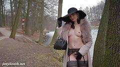 Jeny Smih - The Estate