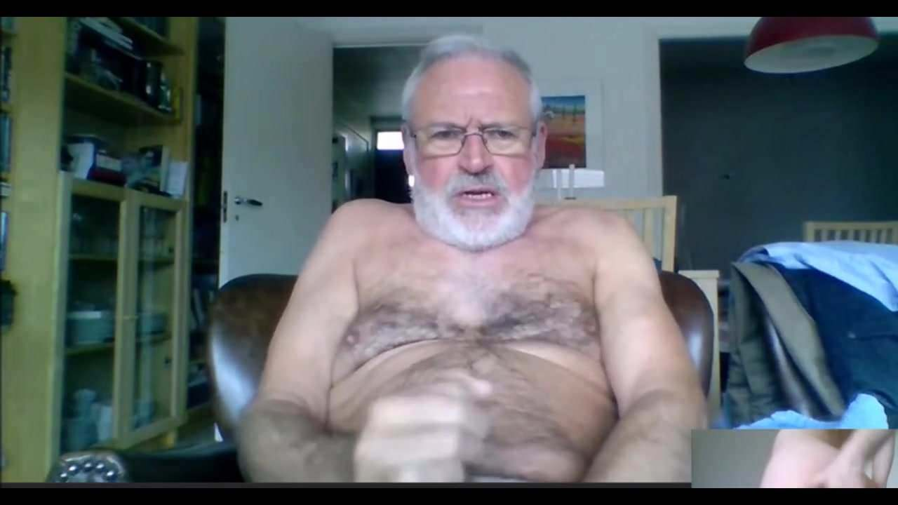 Silver fox jacking off