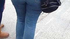 Turkish mature big fat ass walk