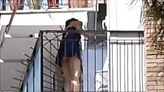 Signora adiacente al mio balcone