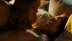 Amanda Seyfried & Julianne Moore Lesbian Scene from Chloe