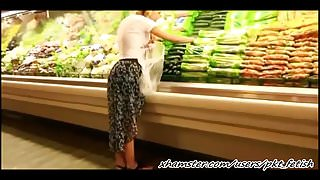 She masturbates in supermarket