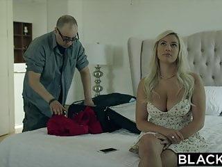 Esposa Jovencita Es Infiel Con Moreno Dotado - Kylie Page