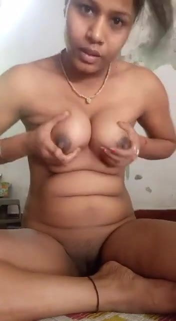Desi sexy lady getting exposed