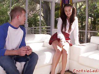 falda de colegiala porno sexo acabada en pies
