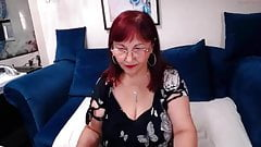 mature rosaredd on webcam