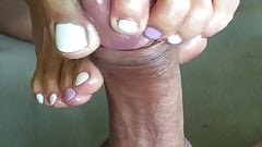 playing with balls outdoor, amateur footjob's Thumb