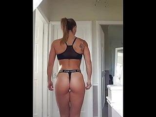 Milf Rachael shows us her lovely ass