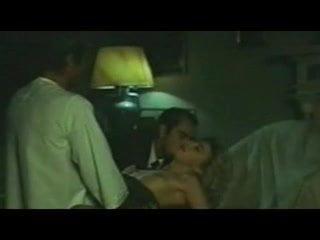 La profezia 1978 (Threesome, cuckold erotic scene) MFM