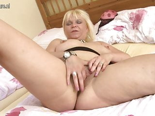 Horny grandma squirting with her old cunt