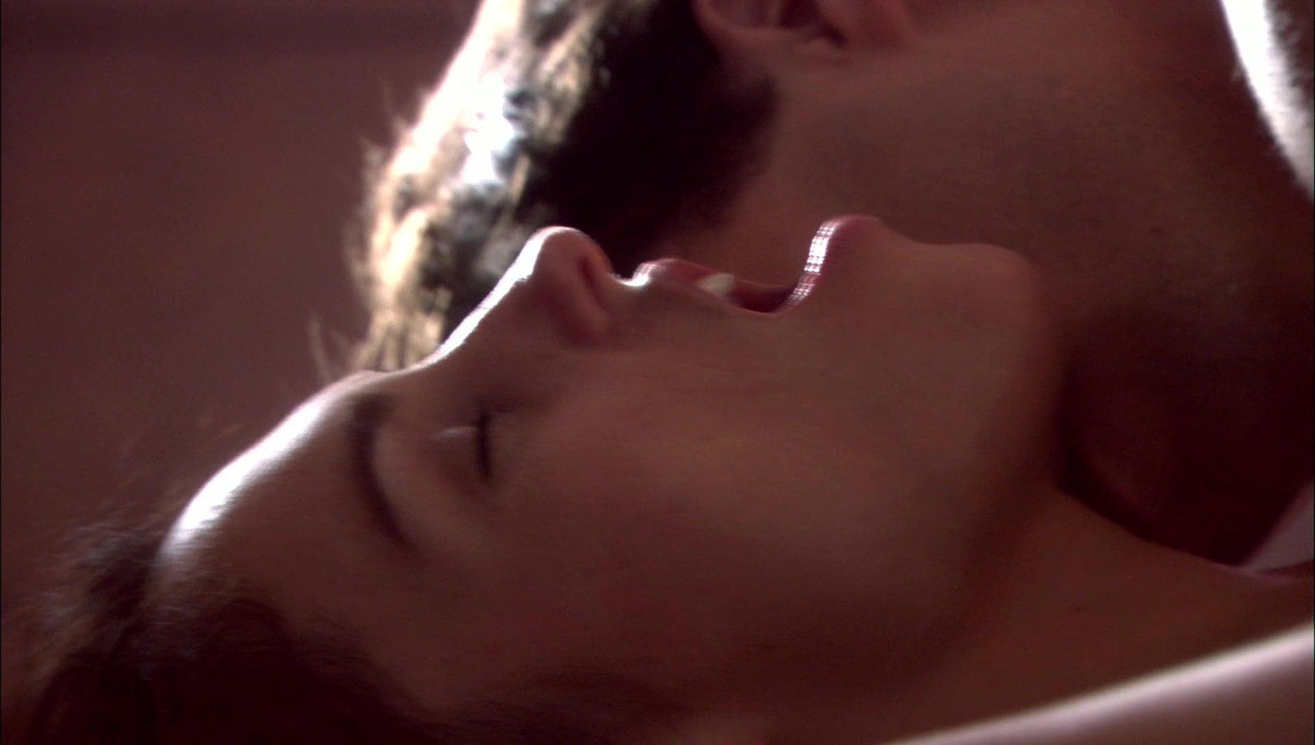 Amy Jo Johnson Topless amy jo johnson - ''fatal trust''
