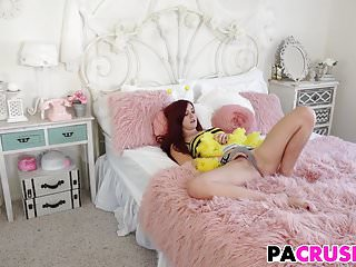 Gals First Sex Talk With Stepfather