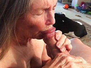 LILA le saca la leche a su pareja
