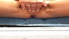 Wife masturbates and squirt