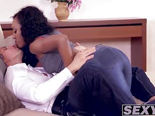 Horny white guy calls over his sexy black bitch to pound her
