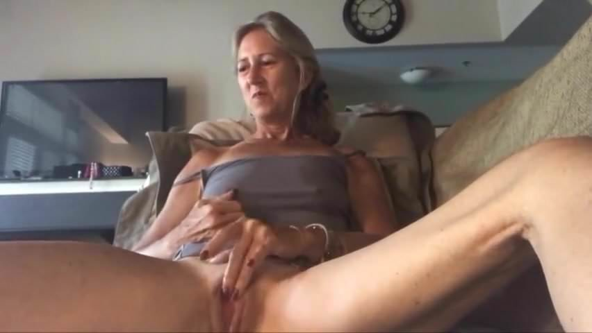 Cute Granny Small Tits Masturbation Webcam Free Porn 12-4374