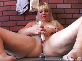 Shy old spunker plays with her juicy pussy for you