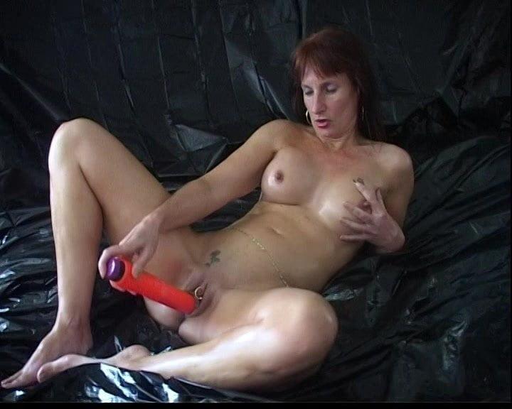 Chubby girl small tits porn