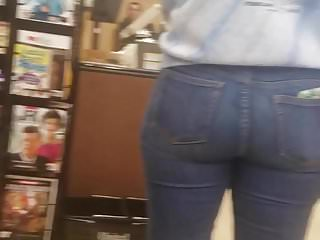 Thick white pawg booty oowee