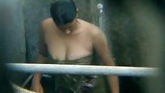 SL Girl Bath