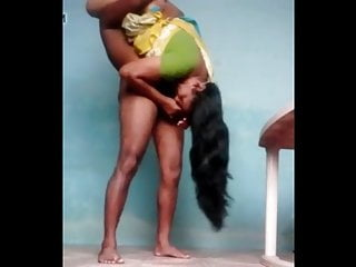 Voluptuous Mallu Housewife Enjoys Standing With Neighbour