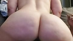 Big butt pawg riding and squirting