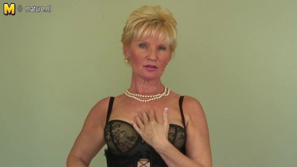 free nude mature videos