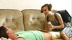 Razz- la figlioletta si fa il padre ubriaco