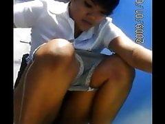 Asian babes peeing