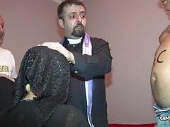Dal confessionale storie di 2 maiale (CXD01325)