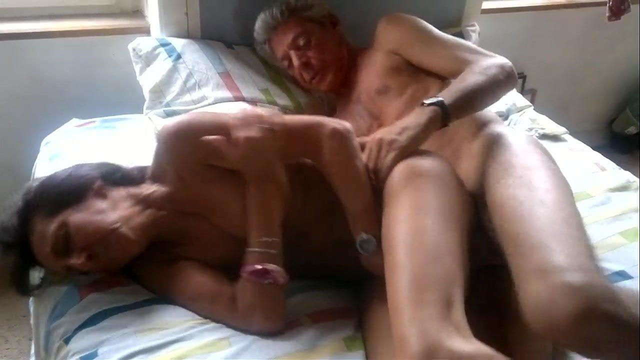 Rozza une mature experimentee video1