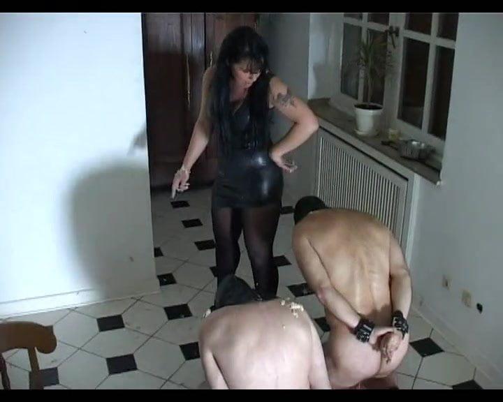 Slave must eat mistresses tampon videos free porn videos